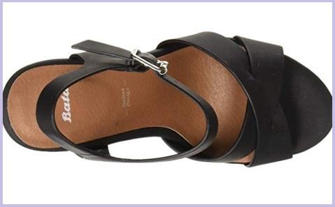 Sandalo elegante scamosciato, zeppa bata
