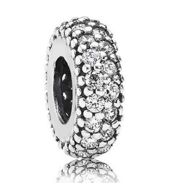 Pandora gioiello con brillanti charms