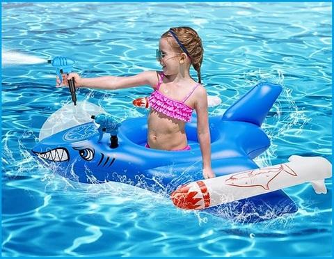 Gonfiabile per il mare a forma di moto d'acqua per bambini