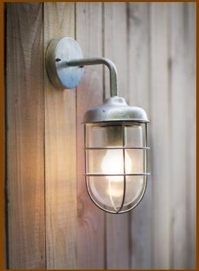 Lampada da esterni classiche in ferro e vetro
