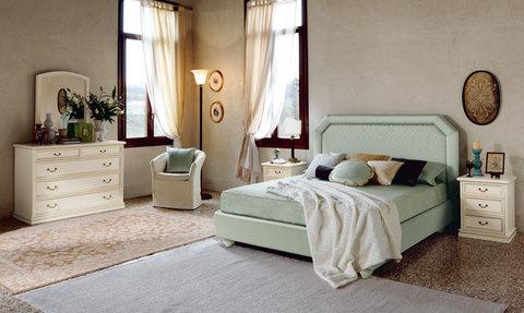 Camera classica letto con testata imbottita lazio