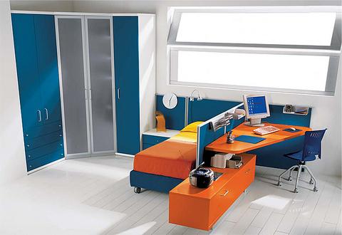 Cameretta letto con scrivania incorporata lazio grandi for Ingrosso arredamenti roma