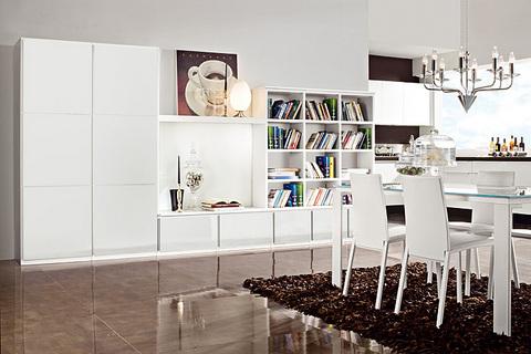 Soggiorno bianco con libreria in offerta lazio - soggiorni Roma