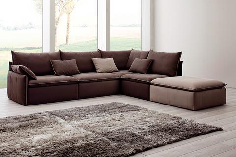 Divano marrone con seduta in poliuretano roma