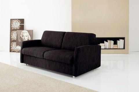 Divano tessuto nero idee per il design della casa - Prodotti per pulire il divano in tessuto ...