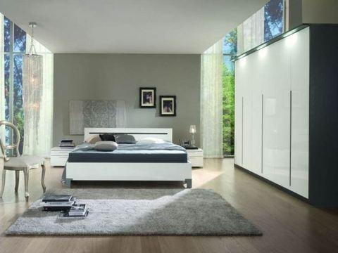 Camera moderna armadio con luci