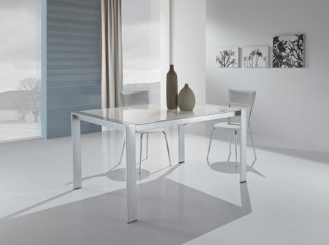 Modello tavolo da pranzo maxhome rieti grandi sconti for Ingrosso arredamenti roma