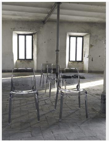 Sedia moderna in policarbonato lazio grandi sconti for Ingrosso arredamenti roma