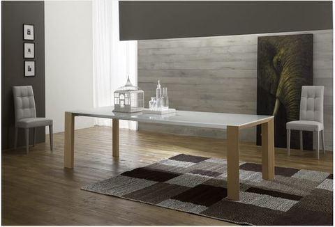 Tavolo con struttura allungabile con guide lazio