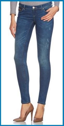 Jeans per donna skinny e stretti sotto