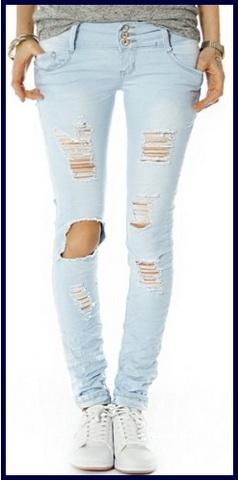 Jeans stretti di color celeste