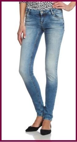 Jeans normale e stretti sotto