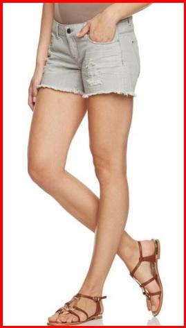 Jeans pantaloncini rotti alla moda