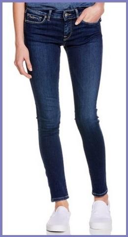 Jeans alla moda aderenti e firmati