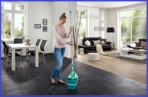 Lavapavimenti con strizzatore pavimenti