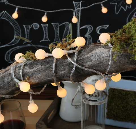Luci natalizie per decorare la casa a forma di candela