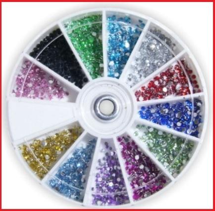 Strass glitter decorativi da poter applicare sulle unghie