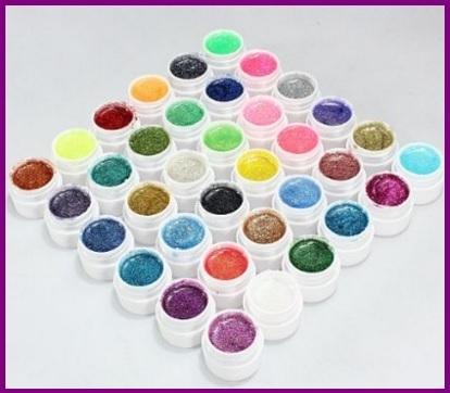 Barattoli di gel uv per poter decorare le vostre unghie