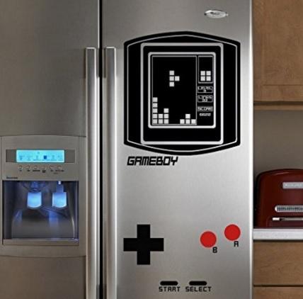 Adesivi per rendere il frigorifero un gameboy