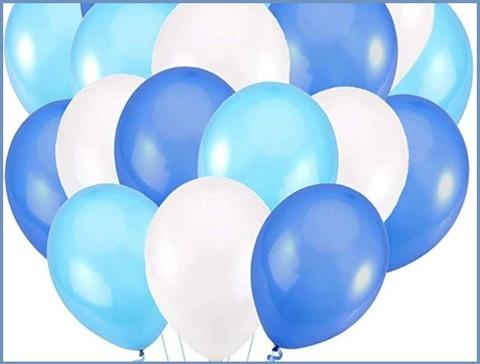 Palloncini bianchi e azzurri