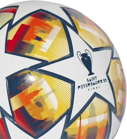 Pallone adidas per la finale di champions league 2016