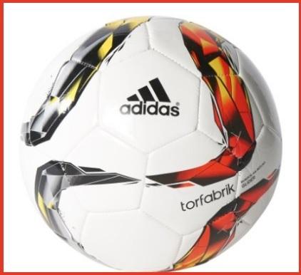 Pallone adidas per giocare a calcio
