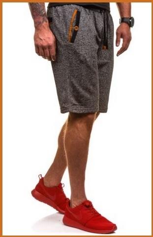 Pantaloni sportivi comodi e in poliestere