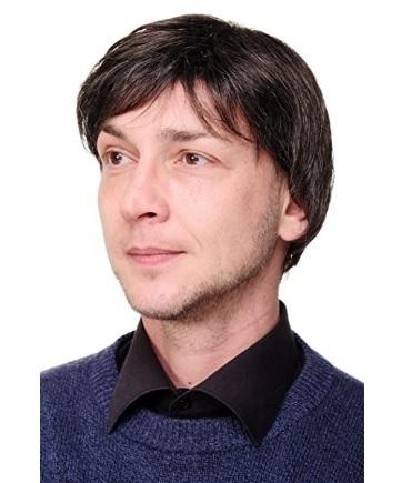 Parrucca da uomo corta e dal colore biondo castano sintetica
