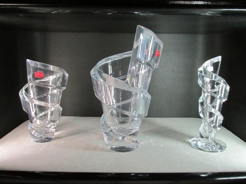 Vaso e bicchieri in cristallo forma strana