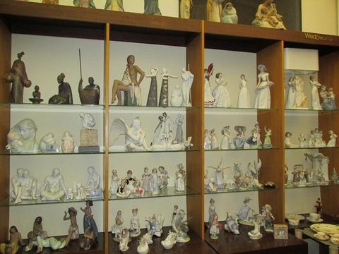 Varie statue in ceramica
