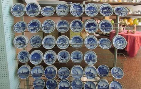 Piatti Con Vari Temi In Ceramica