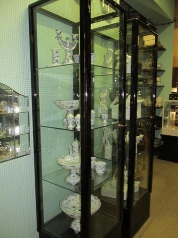 Candelabro tazzine e vaso in ceramica
