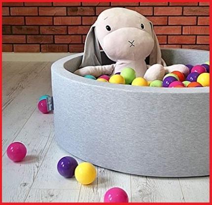 Piscina Per Bambini Colorata E Piena Di Palline