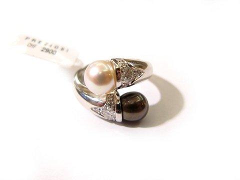 Anello contrarié perla