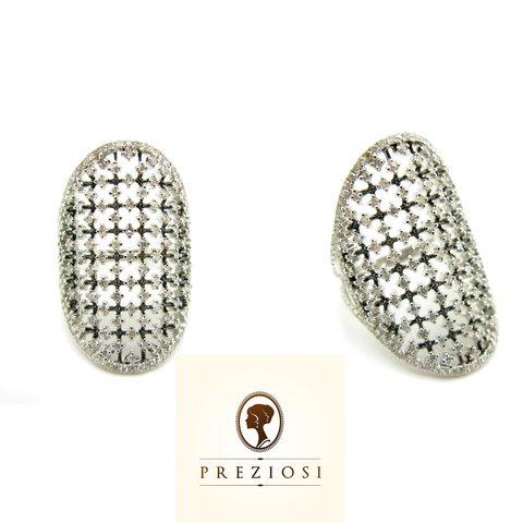 Anello in oro bianco 18 kt con diamanti taglio brillante