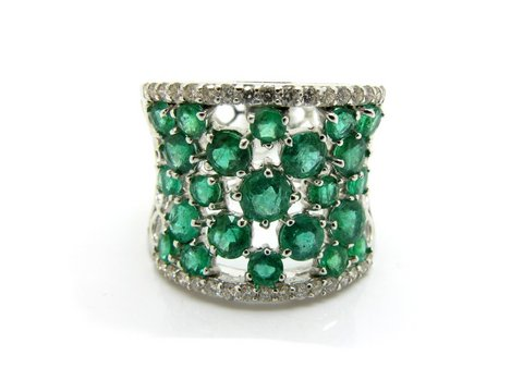 Anello traforato smeraldi e diamanti lugano gioielli