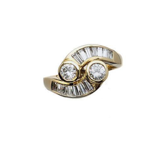 Anello contrarié con diamanti taglio baguettes