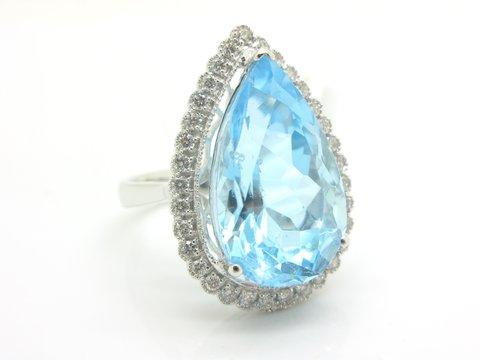Anello con topazio azzurro 15.7 ct - lugano luxury
