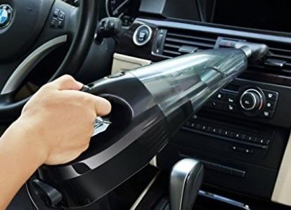 Aspirapolvere per auto con tanti accessori