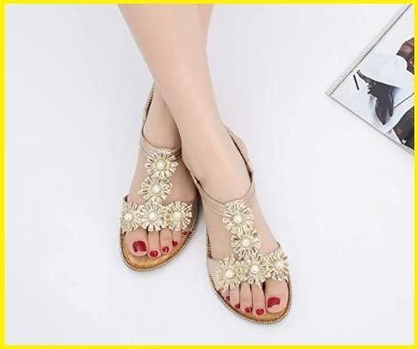 Sandali eleganti con gioielli
