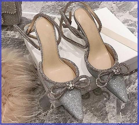Scarpe Eleganti Con Lacci Merletto E Diamanti