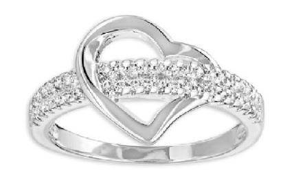 Anello a forma di cuore con brillanti zirconi