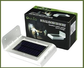 Lampada led ad energia solare con sensore di movimento