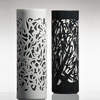 Vaso in porcellana fantasia umana bianco e nero