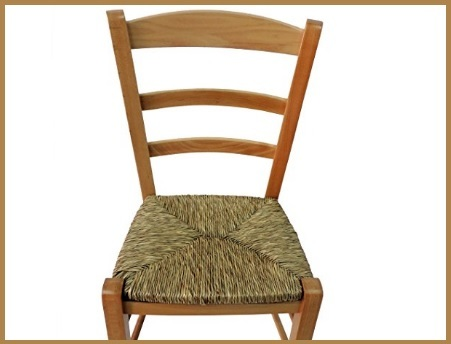 Sedia robusta in legno