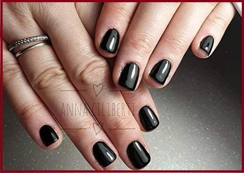 Smalti unghie colore nero