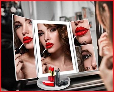 Specchio da trucco con luci da parete