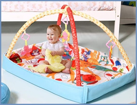 Tappetino neonati per pavimento con giochi