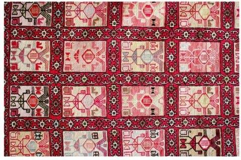 Tappeti kilim originariamente usati come semplici tappeti