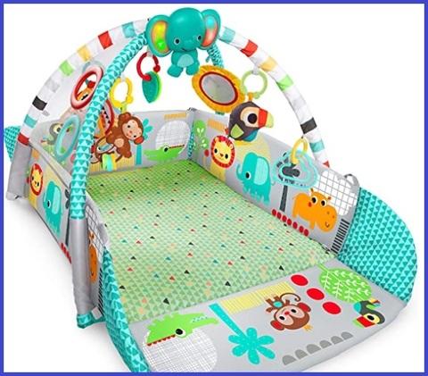 Tappeto neonato chiuso casa